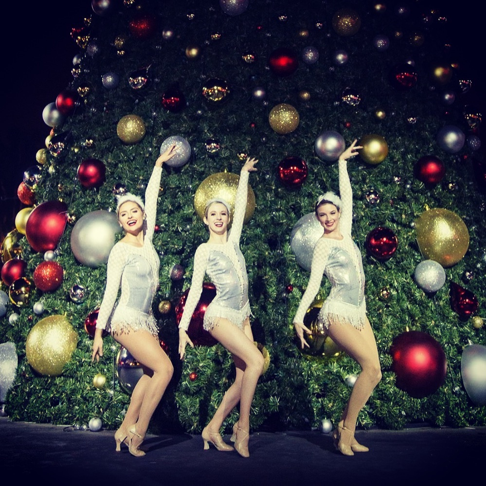 Holiday Themed Dancers